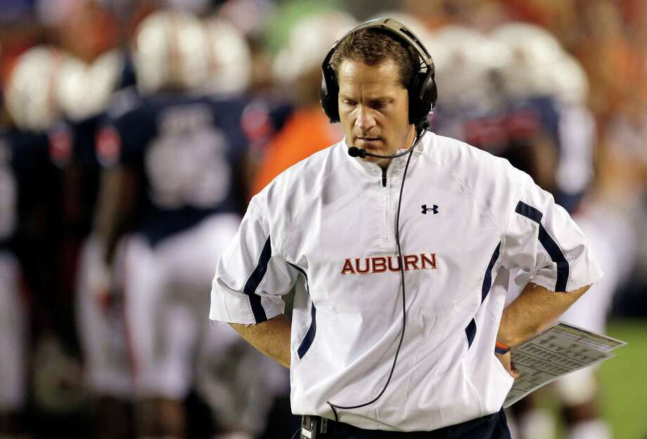 Auburn coach Gene Chizik, whose team is off to a 1-4 start, disputes a player's take on the lack of senior leadership. Photo: Dave Martin, Associated Press / AP