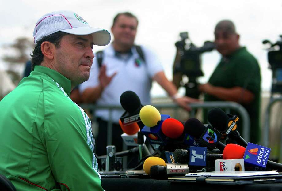 Mexico coach Jose Manuel De La Torre faces a great deal of scrutiny back home. So far, he's holding up. Photo: Cody Duty / © 2012 Houston Chronicle