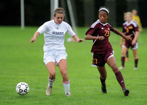 St. Joseph girls soccer versus Fairfield Warde Tuesday, Oct. 9, 2012 at Fairfield Warde High School. Photo: Autumn Driscoll / Connecticut Post