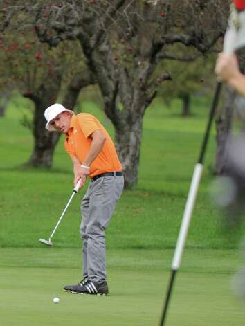 Victor Fox of Bethlehem H.S. putts during the Section II A-B-C-D golf championships at Orchard Creek Golf Course Tuesday, Oct. 9, 2012 in Altamont, N.Y. (Lori Van Buren / Times Union) Photo: Lori Van Buren