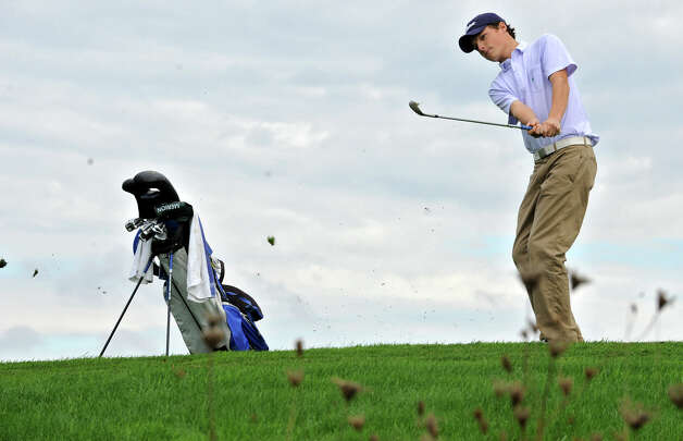 Davis Jensen of Shaker H.S. chips his ball onto the green during the Section II A-B-C-D golf championships at Orchard Creek Golf Course Tuesday, Oct. 9, 2012 in Altamont, N.Y. (Lori Van Buren / Times Union) Photo: Lori Van Buren