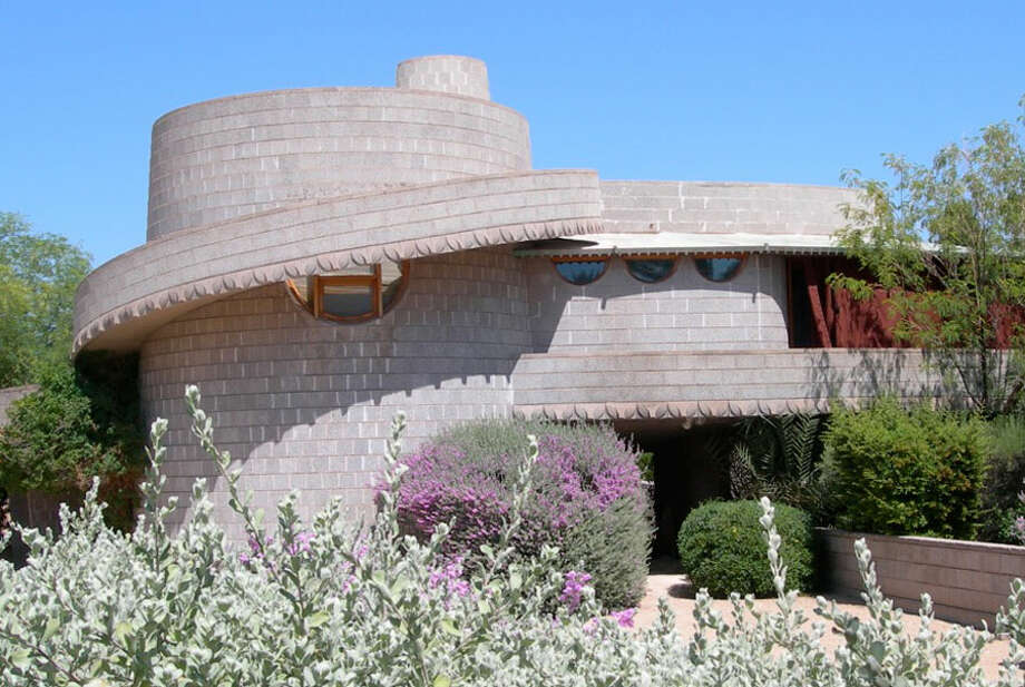 The concrete home was built in 1952 and based on the circular spiral plan (Photo by Scott Jarson  / savethewrighthouse.org)