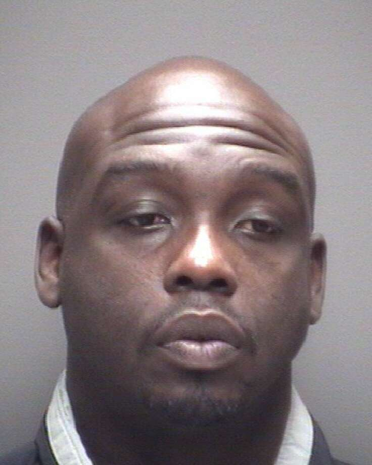 Terrance Anderson, 39, faces felony charges of aggravated robbery and evading in a motor vehicle, La Marque police said. Photo: La Marque PD