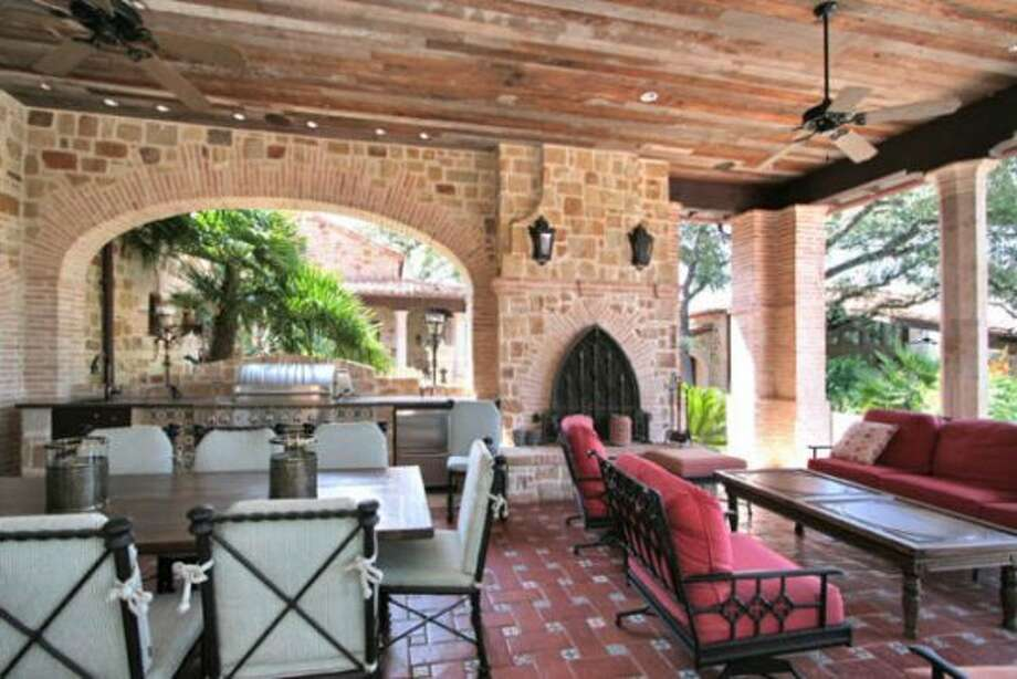 The covered patio allows outdoor events to take place even when the elements are being uncooperative.