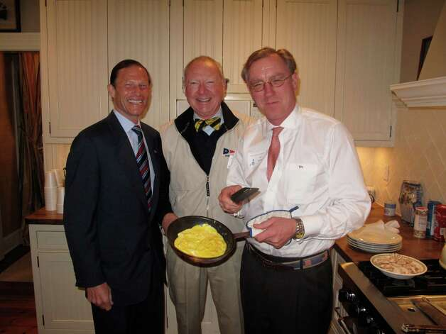 FILE — Local advocates for a woman's right to choose, including Attorney General Richard Blumenthal, pitched in in the kitchen on at Callie and Tighe Sullivan's home in Darien. Tighe Sullivan was found dead in an helicopter accident in the Poconos. Photo: Maggie Gordon, Stamford Advocate / Darien News