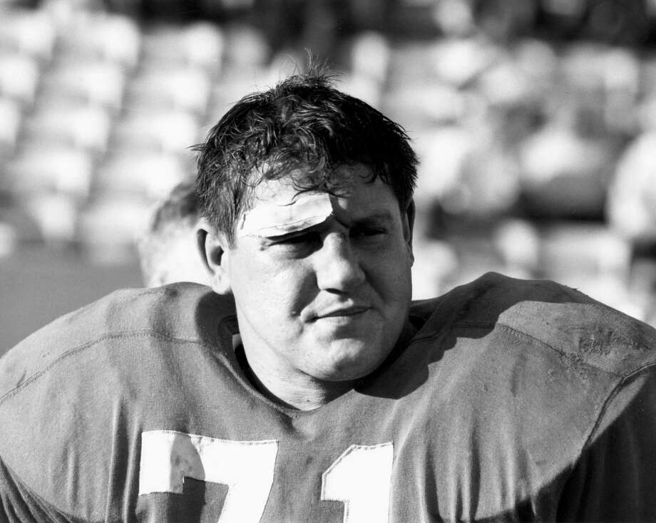 Karras was one of the NFL's most ferocious — and best — defensive tackles for the Detroit Lions from 1958-70.  (AP Photo/NFL Photos) Photo: NFL, Associated Press / LIEBB