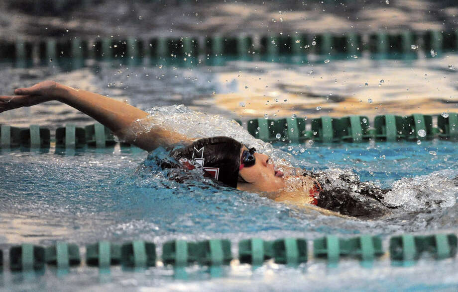 Senior Kina Zhou of Niskayuna keeps the lead to win the 200 IM (Individual Medley) during a swimming and diving competition with Shenendehowa Wednesday, Oct. 10, 2012 in Clifton Park, N.Y. (Lori Van Buren / Times Union) Photo: Lori Van Buren