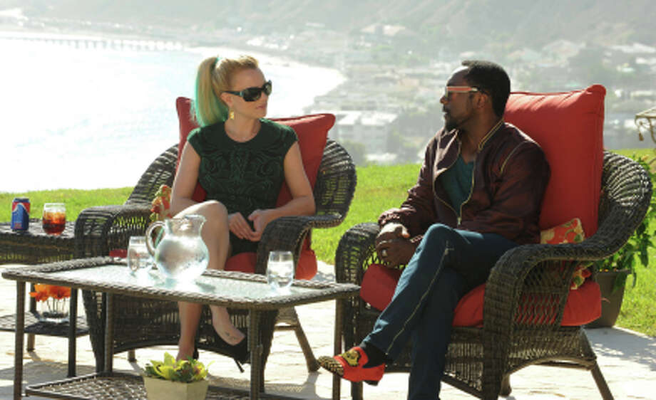 THE X FACTOR: JUDGES ROUND: Guest mentor will.i.am joins Britney Spears on the JUDGES ROUND of THE X FACTOR airing Thursday, Oct. 11 (8:00-9:00 PM ET/PT) and Wednesday, Oct. 17 (8:00-10:00 PM ET/PT). CR: Ray Mickshaw / FOX. (                                                      )
