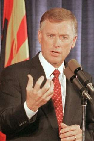 "** FILE ** Former vice president Dan Quayle announces he'll seek the Republican nomination for the 2000 presidential election during a Phoenix, AZ. news conference in this Feb. 4, 1999, file photo. Trent Lott isn't the first whose career has suffered over racial gaffes. Quayle was criticized for telling American Samoans, ""You all look like happy campers to me.""  (AP Photo/Mike Fiala, File).     HOUCHRON CAPTION (05/27/2003): ""Verbosity leads to unclear, inarticulate things,"" former Vice President Dan Quayle said. For more quotes from the Indiana Republican, call up The Many Stupid Things Said by Dan Quayle at chef2chef.com/humor/data/TheManyStupidThings.htm.   HOTLIST: STUPID THINGS. (AP)"
