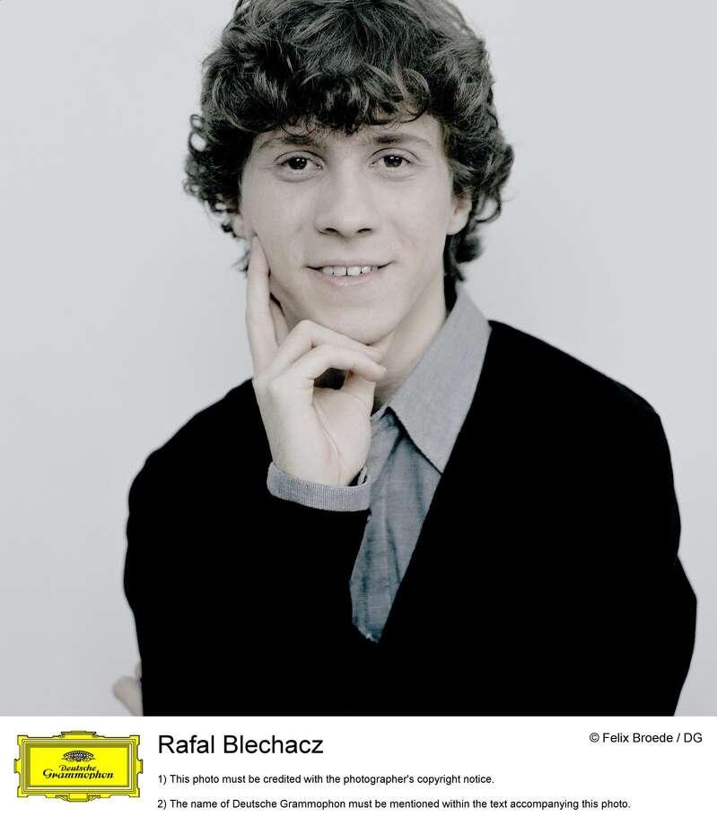 Rafal Blechacz (Felix Broede / Deutsche Grammophon)