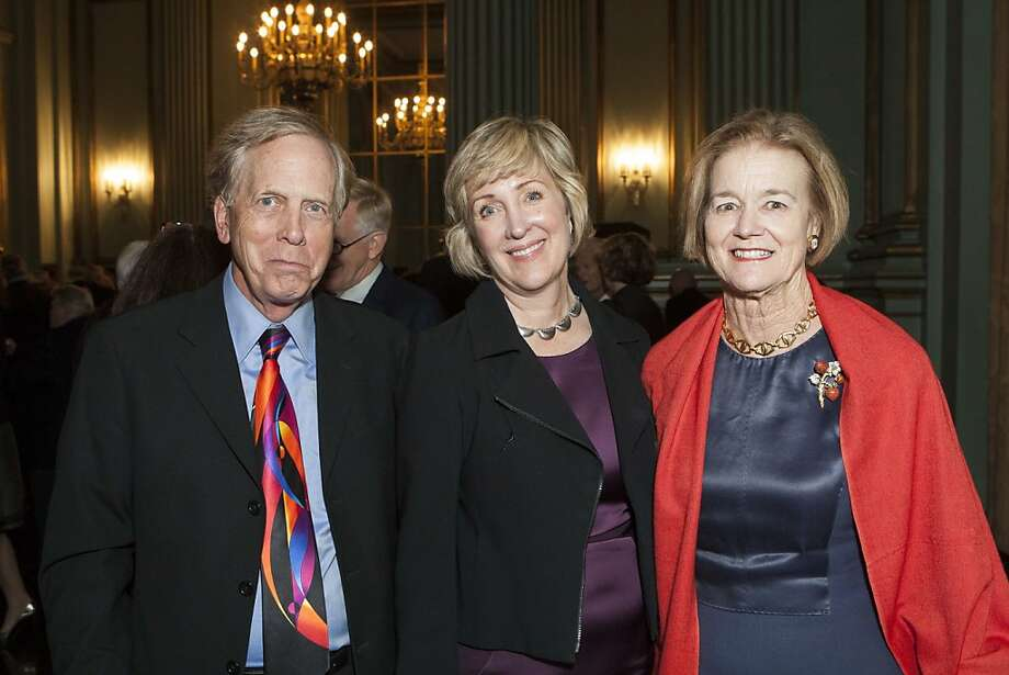 Steve McClellan, left with Elizabeth Barlow and Leslie Hume. Photo: Drew Altizer Photography