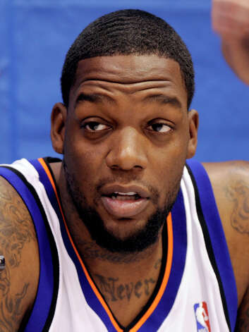 The New York Knicks' Eddy Curry talks to reporters during the NBA basketball team's media day in Greenburgh, N.Y., on Sept. 28, 2009. (Henny Ray Abrams / Associated Press) Photo: Henny Ray Abrams, AP / AP2009