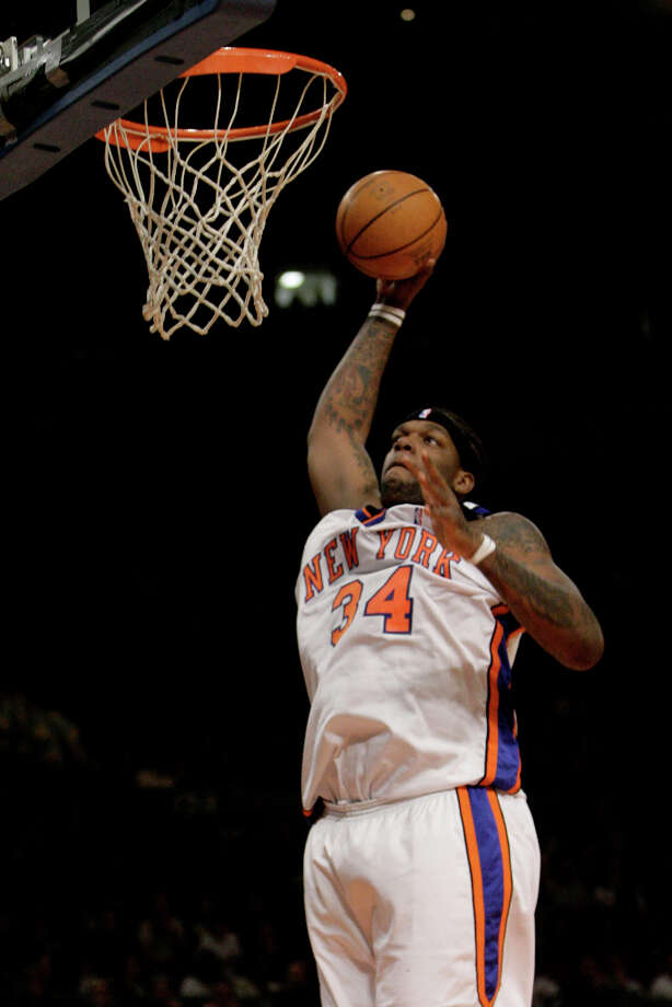 The New York Knicks' Eddy Curry goes up to the basket during the first quarter against the Miami Heat Monday, Feb. 26, 2007, at Madison Square Garden in New York. (Mary Altaffer / Associated Press) Photo: Mary Altaffer, AP / AP