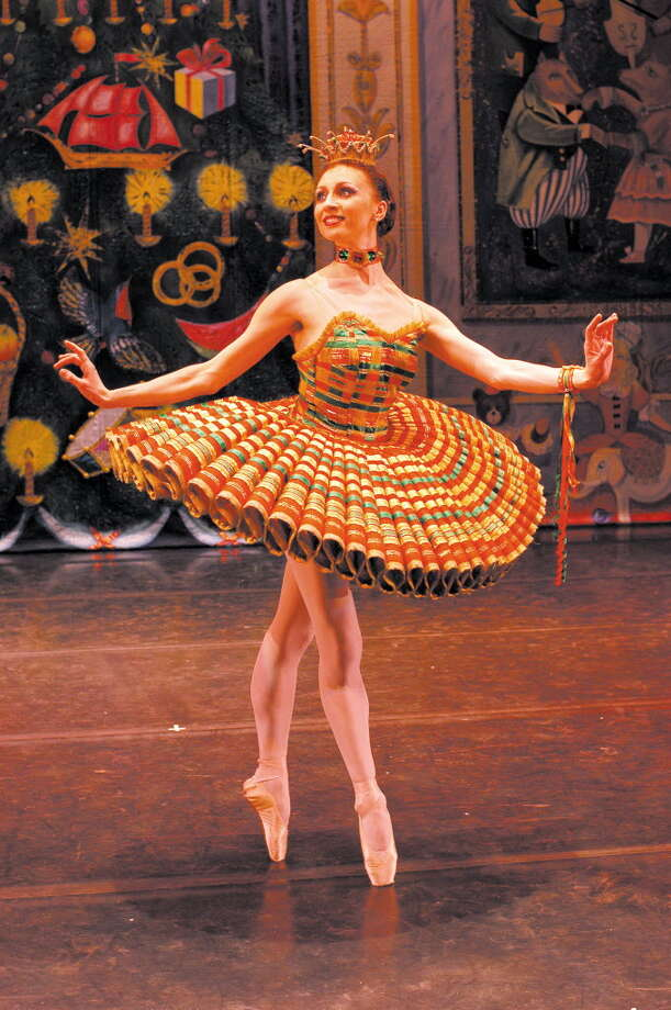 Kissy Doll in Moscow Ballet's Great Russian Nutcracker (Moscow Ballet)