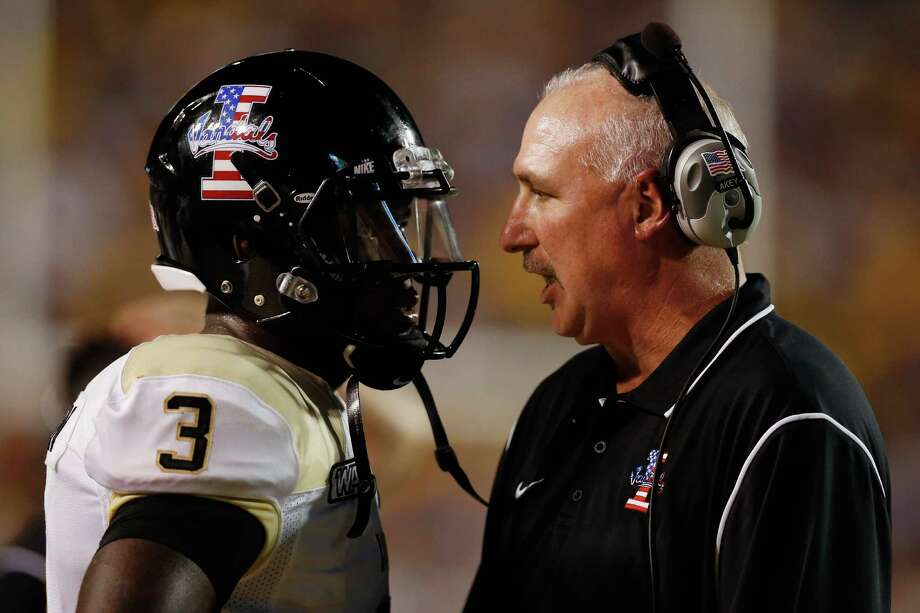 Idaho's Dominique Blackman (left) and coach Robb Akey are coming off a win over New Mexico State. Photo: Chris Graythen, Getty Images / 2012 Getty Images