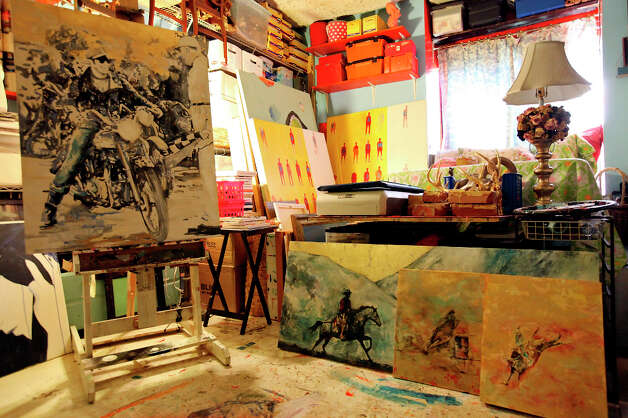 A wide view of the studio. Photo: Edward A. Ornelas, San Antonio Express-News / © 2012 San Antonio Express-News