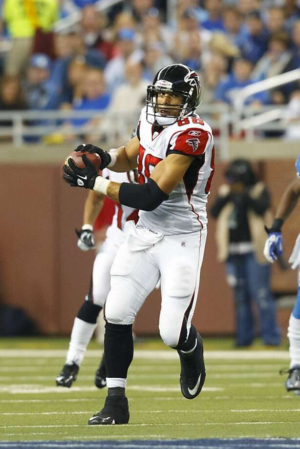 At 36, Tony Gonzalez is leading the NFL in receptions as a tight end for the Falcons. Photo: Rick Osentoski, AP