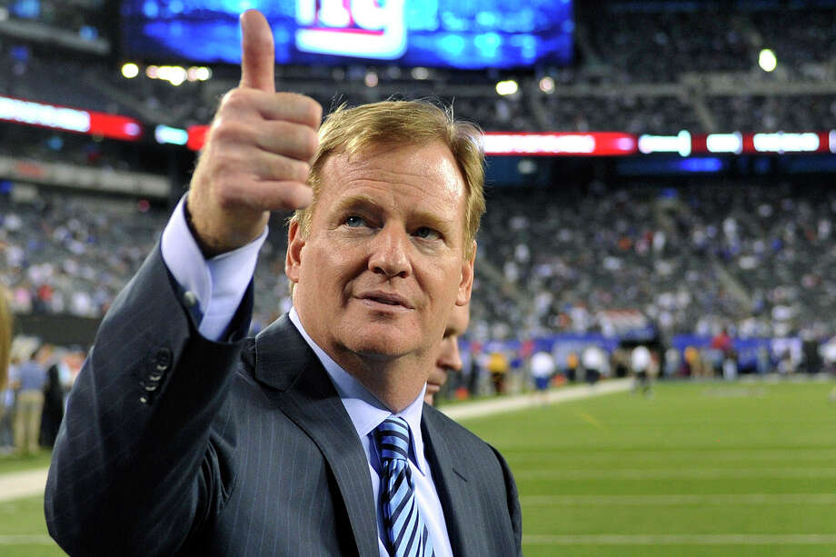 Sources say players are asking that NFL commissioner Roger Goodell remove himself as arbitrator. Photo: Bill Kostroun / FR59151 AP