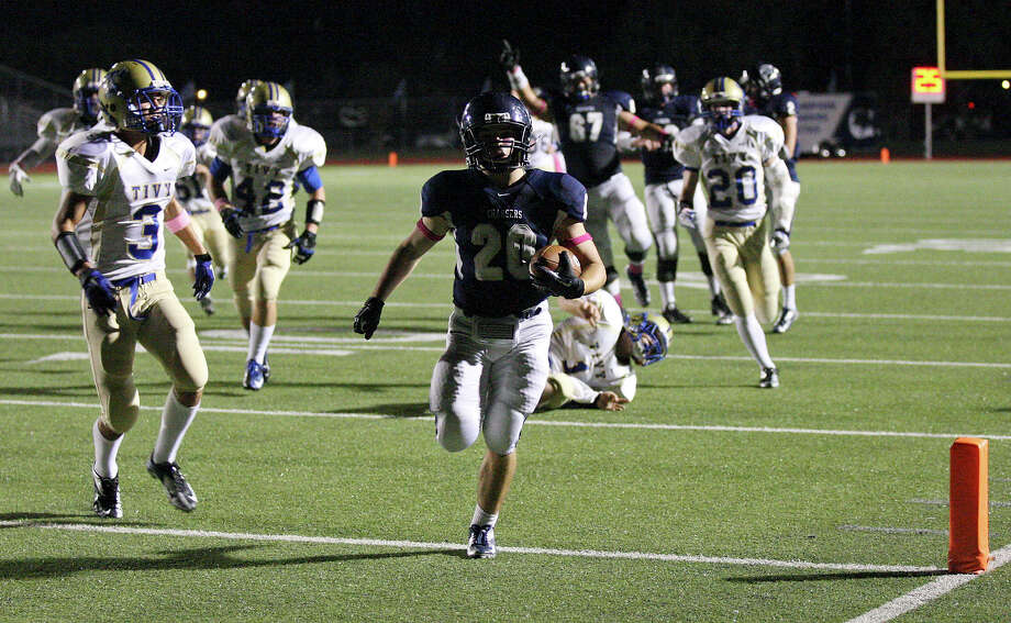 Boerne Champion's Austin Humphrey scores a touchdown against Kerrville Tivy during first half action Friday Oct. 12, 2012 at Boerne Independent School District Stadium in Boerne, TX. Photo: Edward A. Ornelas, Express-News / © 2012 San Antonio Express-News