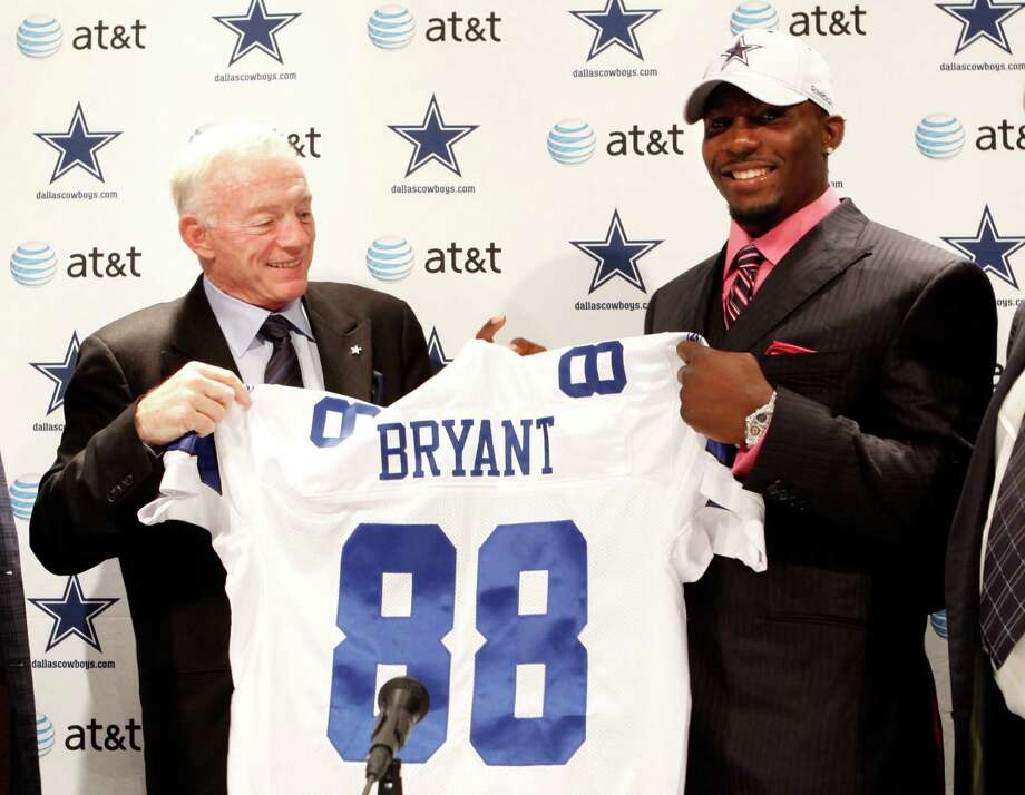 """Love:He's got a good heart, often signing down-on-their-luck players (think Alonzo Spellman, Adam """"Pacman"""" Jones, Tank Johnson, Dez Bryant), and has helped The Salvation Army raise more than $1 billion. AP Photo/The Dallas Morning News, Vernon Bryant Photo: VERNON BRYANT, Associated Press / The Dallas Morning News"""