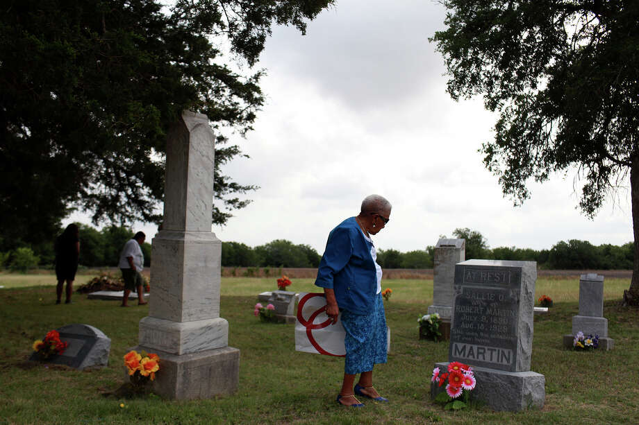 Pelham native Ruby Echols, who now lives in Ft. Worth, visits graves in the historic Pelham Cemetery, a Memorial Day tradition, on Sunday, May 27, 2012. Photo: Lisa Krantz, San Antonio Express-News / © 2012 San Antonio Express-News