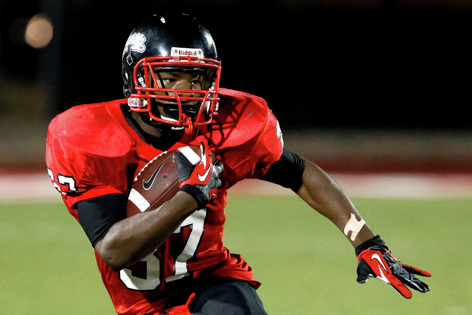 "Wagner running back Terry Allaway carries the ball during the fourth quarter of their game with Judson at Rutledge Stadium on Oct. 12, 2012.  Judson won the ""Hammer Bowl"" 30-0.  MARVIN PFEIFFER/ mpfeiffer@express-news.net Photo: MARVIN PFEIFFER, Express-News / Express-News 2012"