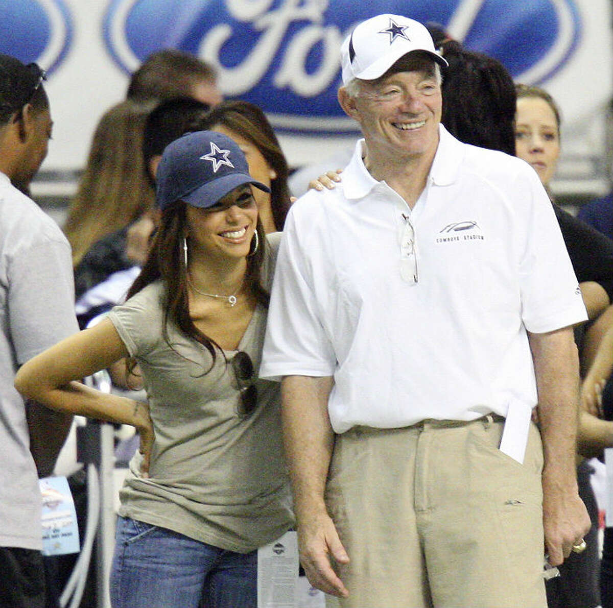 In honor of Dallas Cowboys owner turning 70 Saturday, Oct. 13, Cowboys beat writer Tom Orsborn offers five reasons to hate - and five reasons to love - Jerry Jones. EDWARD A. ORNELAS/eaornelas@express-news.netA