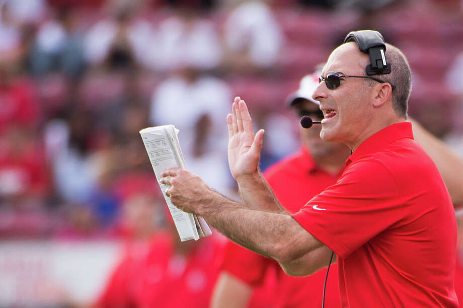 Houston coach Tony Levine will not reach a bowl game in his first season with the Cougars. Photo: Smiley N. Pool, Houston Chronicle / © 2012  Houston Chronicle