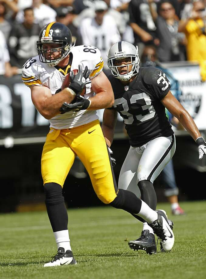 Safety Tyvon Branch has had his hands full keeping up with such receivers as Pittsburgh tight end Heath Miller. Photo: Tony Avelar, Associated Press