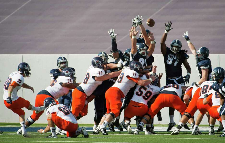 UTSA kicker Kristian Stern (38) connects on a field goal during the second quarter of a college foot