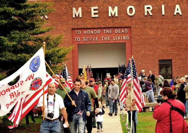 The Walk of Honor ceremony at the Danbury War Memorial Sunday, Oct. 14, 2012. Photo: Michael Duffy