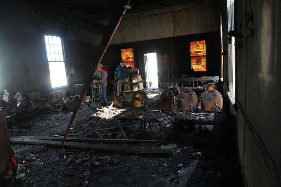 A morning fire damaged the historic Hebrew Congregation of Woodmont synagogue on Sunday, October 14, 2012. Photo: BK Angeletti, B.K. Angeletti / Connecticut Post freelance B.K. Angeletti
