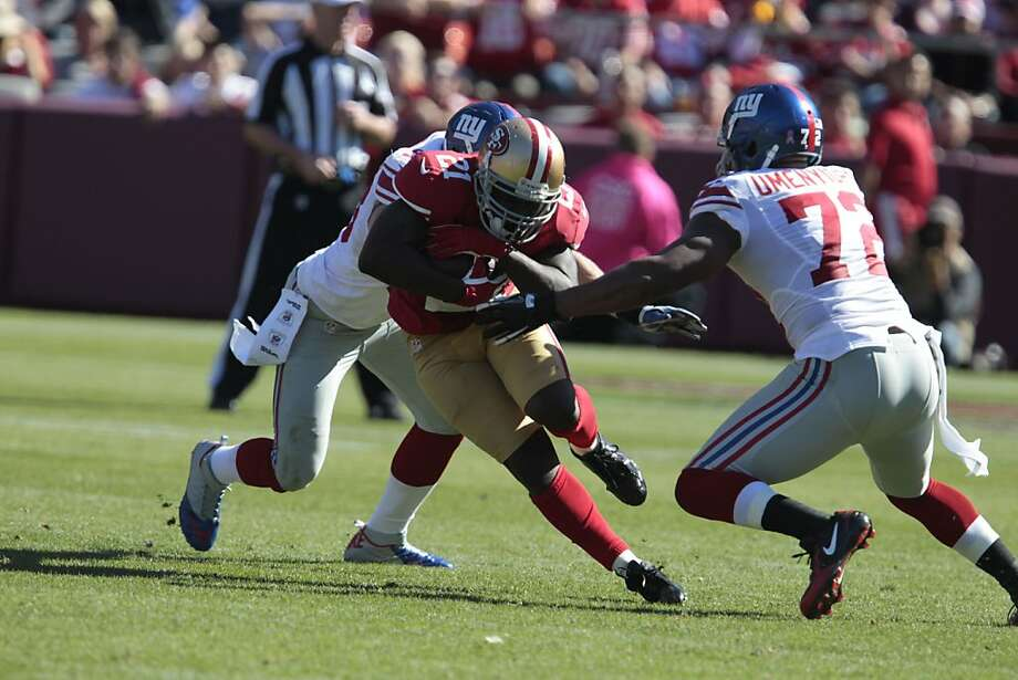 Usually a workhorse, Frank Gore must regain form Thursday after rushing only eight times in a 26-3 loss to the Giants. Photo: John Storey, Special To The Chronicle