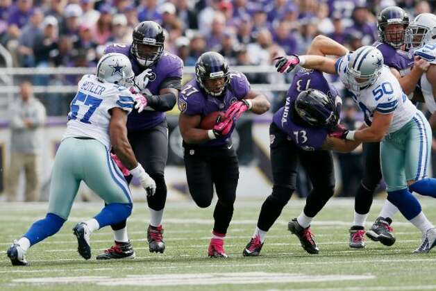 Running back Ray Rice #27 carries the ball against the Dallas Cowboys during the first half at M&T Bank Stadium on October 14, 2012 in Baltimore, Maryland.  (Photo by Rob Carr/Getty Images) (Getty Images)