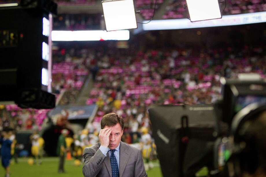 Broadcaster Bob Costas adjusts his hair before going on the air prior to the Houston Texans game against the Green Bay Packers at Reliant Stadium. Photo: Brett Coomer, Houston Chronicle / © 2012  Houston Chronicle