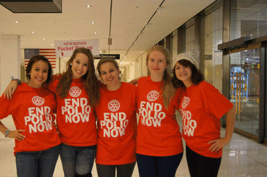 Seniors at Scotia Glenville High School left to right: Julia Lindsay, Alex Vereyra, Emily Massey, Kayla Deaprix and Ashley Laper. Photo taken by Rosa D'Ambrosio. Photo: Rosa D'Ambrosio, New Visions: Journalism And Media Studies