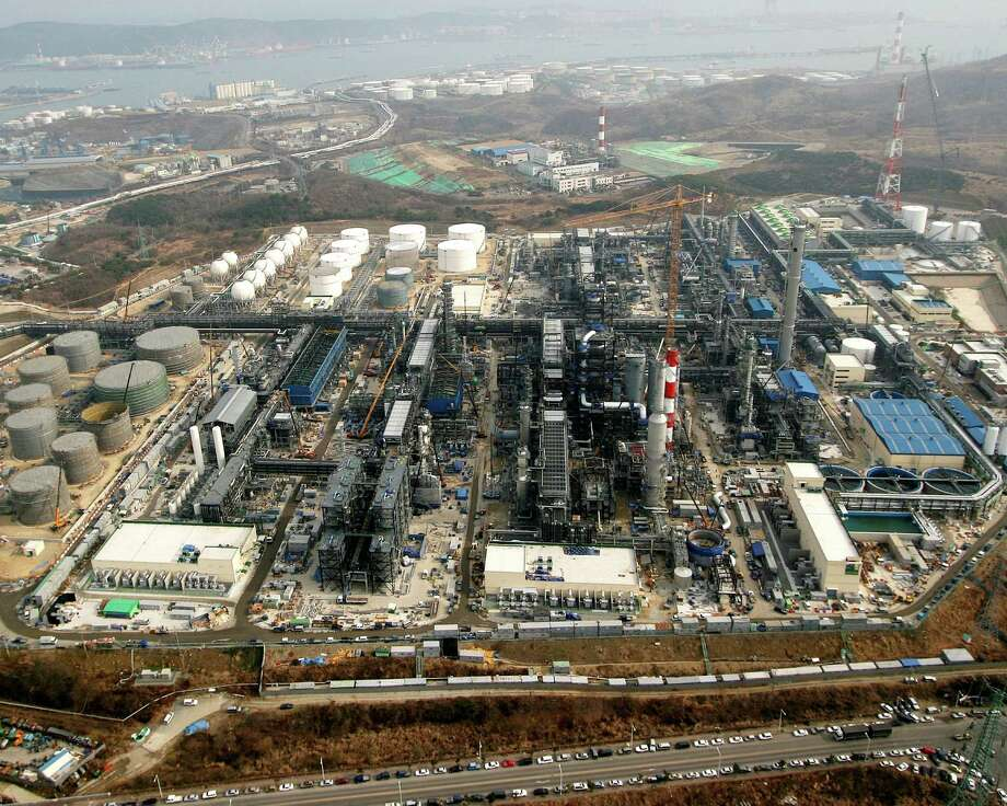 SK E&C USA hires those involved with the design, operation and maintenance of facilities for the oil, gas, chemical and power sectors of the energy industry, including this refinery in Ulsan, Korea.