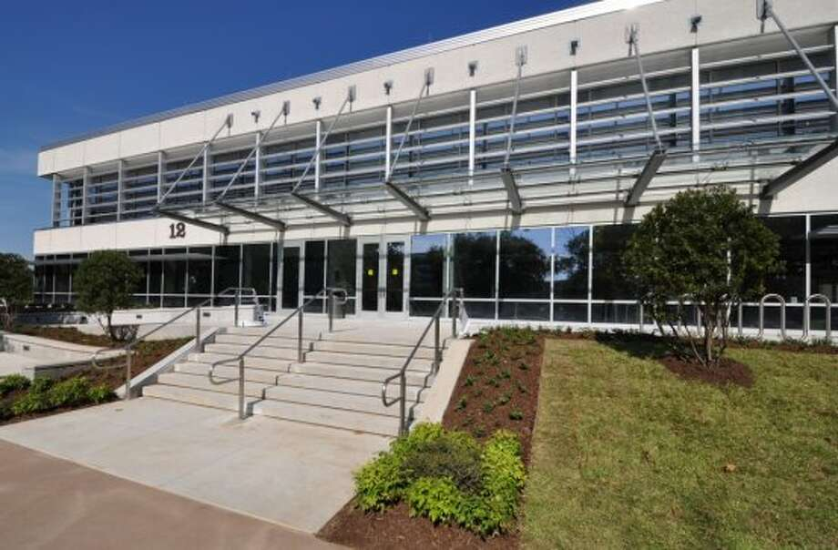 Satterfield & Pontikes Construction finished a $16.5 million upgrade of Building 12 at the NASA Johnson Space Center. Energy saving features include a 32,000-square-foot vegetative roof. (Satterfield & Pontikes Construction)