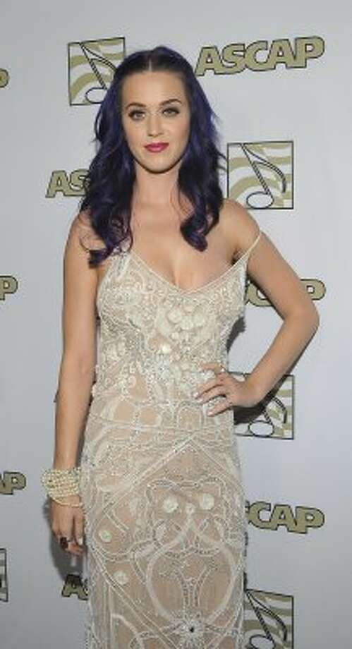 Singer Katy Perry in a dress that seems too big at the 2012 ASCAP POP Music Awards.  (John M. Heller / Getty Images)