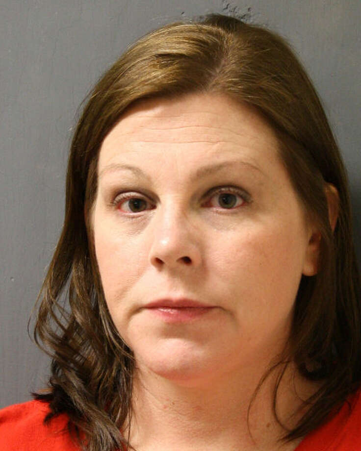 Angela Lee Collum, 40, of Pasadena, is charged with fraudulent use of identifying information. Photo: Bellaire PD