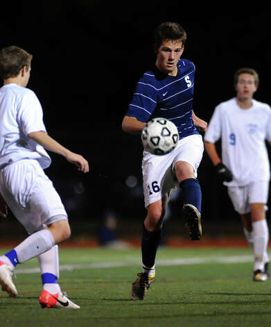 Fairfield Ludlowe's #16 Manuel Brral-Arteta, during boys soccer action against Staples in Fairfield, Conn. on Tuesday October 16, 2012. Photo: Christian Abraham / Connecticut Post