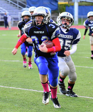 Fairfield Wildcats' sixth-grader Jesse Lawson scores from 25 yards out during the team's 20-14 win over Westport. Photo: Contributed Photo