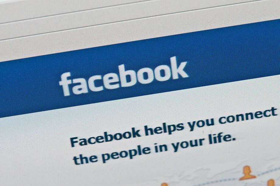 """Facebook is """"further along in monetizing mobile advertising,"""" according to one analyst. Photo: Nicholas Kamm, AFP/Getty Images"""
