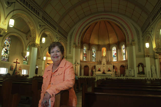 "Mary Jane Hardy stands inside St. Mary's Catholic Church. Hardy is the author of ""Spiritual Treasures of Downtown San Antonio."" The book profiles historic churches downtown. Photo: John Davenport, San Antonio Express-News / ©San Antonio Express-News/Photo Can Be Sold to the Public"