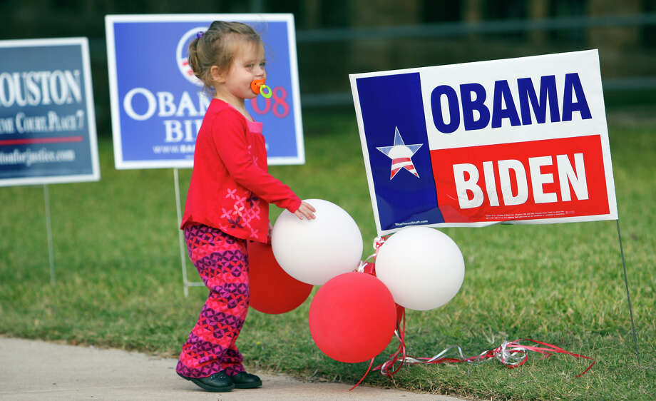 Several readers oppose the Express-News Editorial Board's endorsement of President Barack Obama for another term. Photo: File Photo, San Antonio Express-News / eornelas@express-news.net