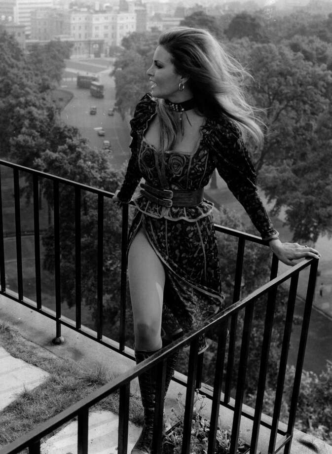 Raquel Welch in 1970.  Photo: Evening Standard, Getty Images / Hulton Archive