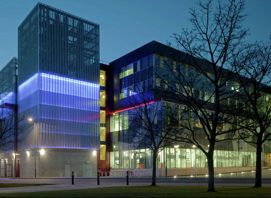 Merit Award: Mountbatten Nanotechnology Electronics Research Complex, Southampton, U.K., IDC Architects. Photo: Courtesy American Institute Of Architects Northwest And Pacific Region/IDC Architects