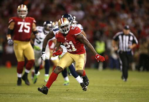 49ers Running back Frank Gore (21) during the game against the San Francisco 49ers game against the Seattle Seahawks at Candlestick Park in San Francisco, Calif., on Thursday October 18, 2012. Photo: Stephen Lam, Special To The Chronicle