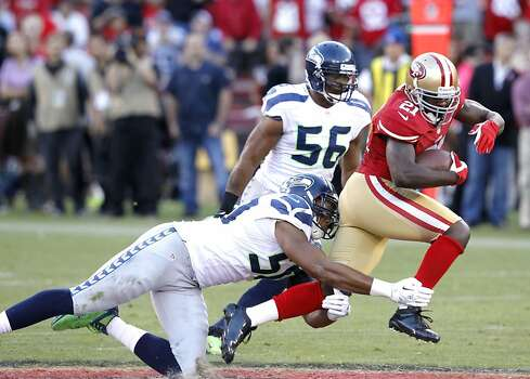 Running back Frank Gore (21) during the San Francisco 49ers game against the Seattle Seahawks at Candlestick Park in San Francisco, Calif., on Thursday October 18, 2012. Photo: Brant Ward, The Chronicle
