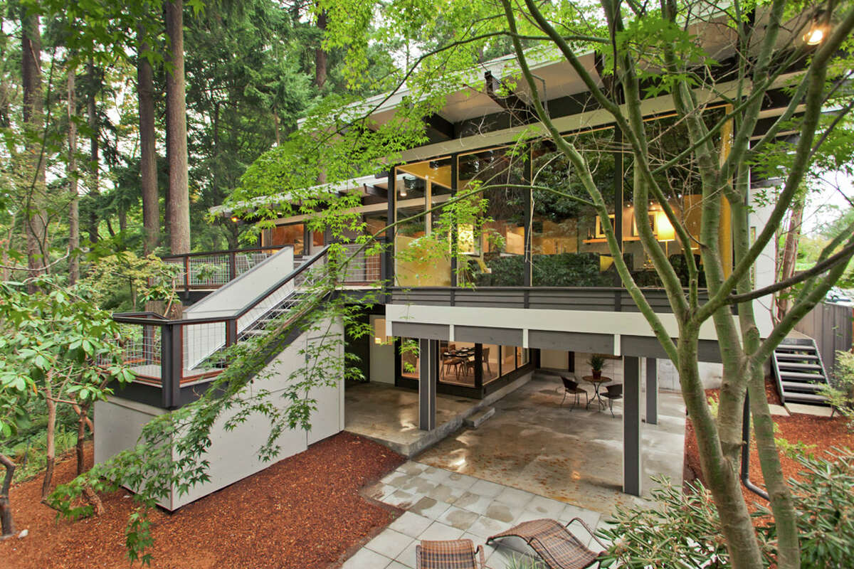 Here's a cool modern home in Broadview, built in 1965 and recently updated. The house, 13249 6th Ave. N.W., is 3,850 square feet, with has five bedrooms, 2.75 bathrooms, walls of windows, beamed ceilings, skylights, a large deck, a patio and a two-car garage on an 8,100-square-foot lot. It's listed for $899,950.